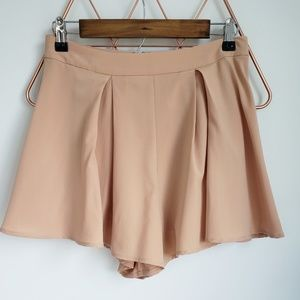 NWT, L'Atiste, Tan Skort, with attached Shorts, M